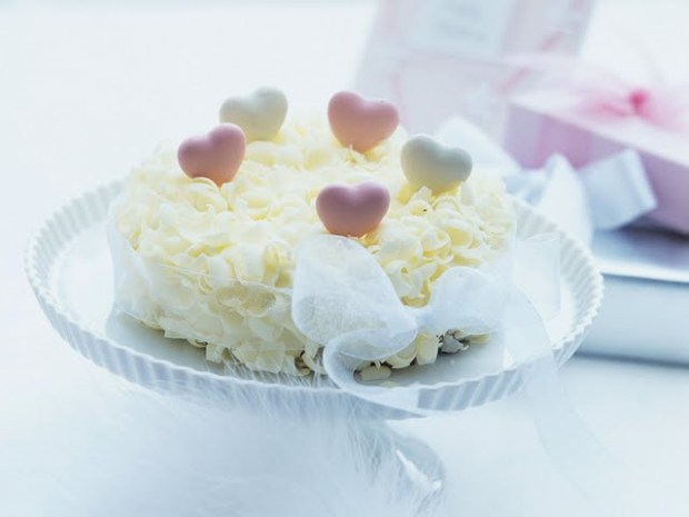romantic-ambience--white-chocolateds-for-valentines-day-92322
